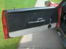 Door trim without ABS kick panel